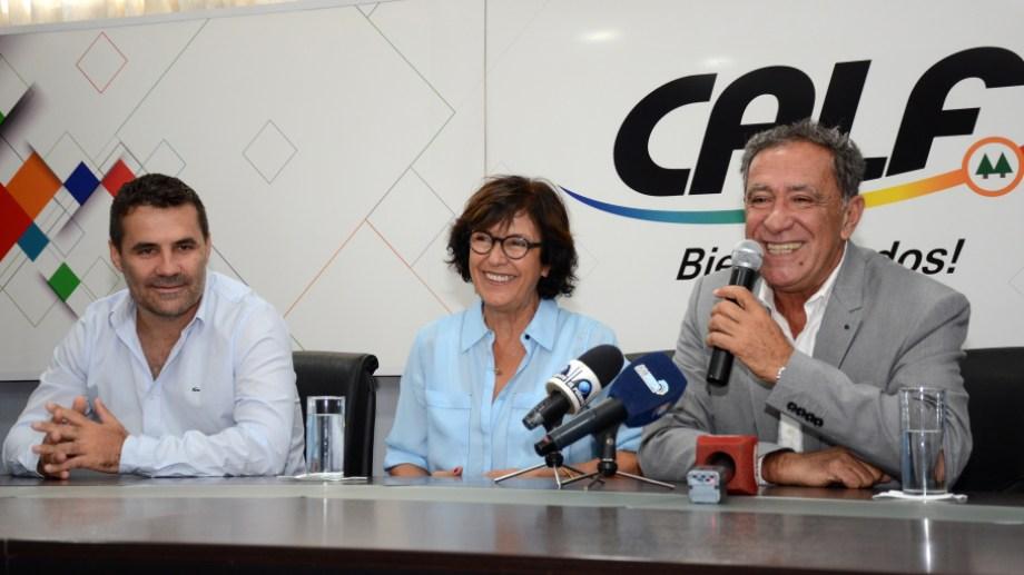 El presidente de la cooperativa, Carlos Ciapponi, dio detalles del acuerdo alcanzado en una conferencia de prensa. Foto: Mauro Pérez