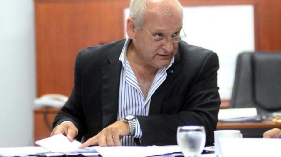 El ministro de Salud de Río Negro, adelantó que se usarán hoteles para internar pacientes con Covid-19. (Foto archivo)