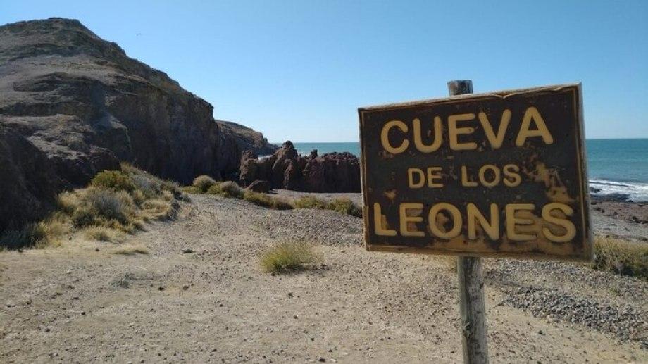 El crimen ocurrió el jueves pasado en una playa de Puerto Deseado. Dos hombres mataron al niño y abusaron sexualmente de su madre. Foto archivo.