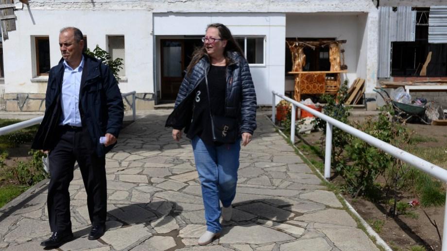 La jueza Sandra Ragusa en una de sus visitas al penal de Bariloche, junto al fiscal de Ejecución Penal Guillermo Lista. (Foto: archivo)