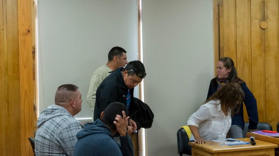 Dos de los cuatro policías que llegaron a juicio por vejaciones, fueron encontrados culpables.