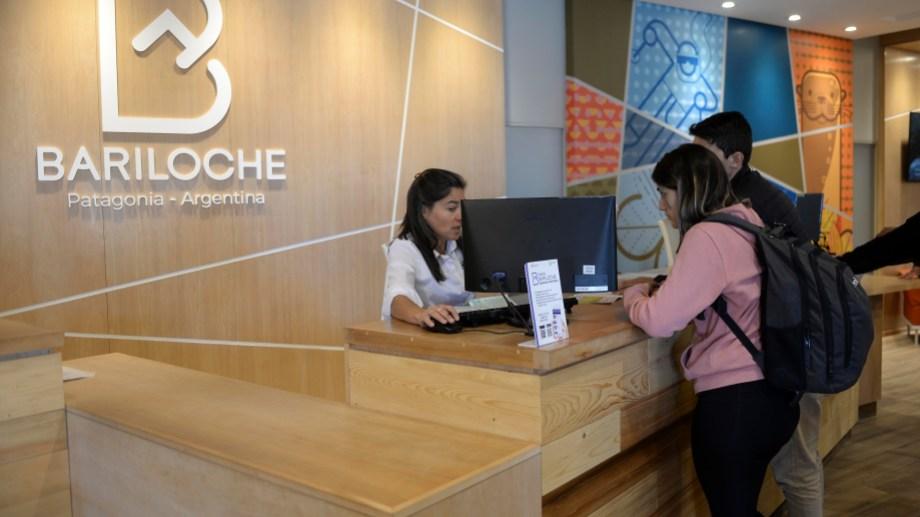 El intendente Gennuso refuerza los recursos al ente de promoción turística de Bariloche. Foto: Alfredo Leiva