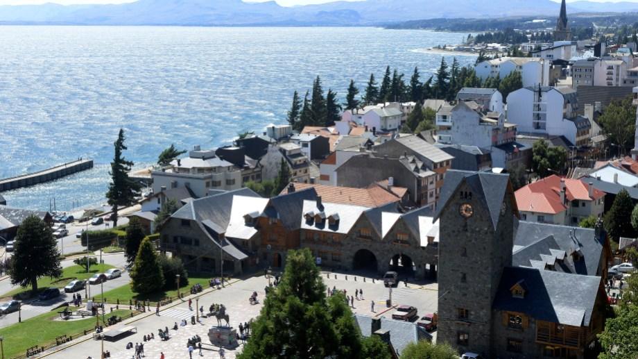 La municipalidad de Bariloche cuenta con programas para la inserción laboral de los jóvenes. Foto: Alfredo Leiva