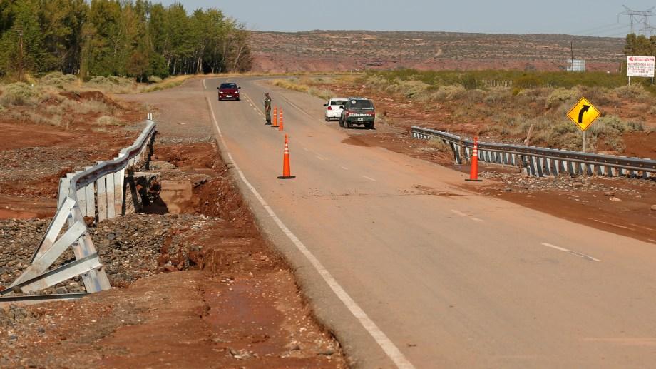 La  Ruta 237 está cortada desde el martes a la noche. (Archivo Juan Thomes).-
