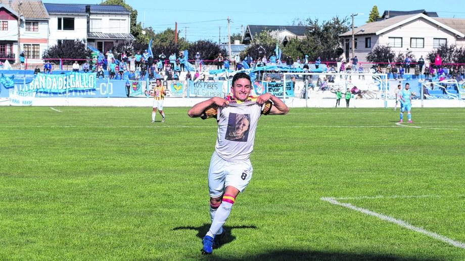 El Cruzado estuvo afilado en Bariloche y obtuvo su primera victoria en el torneo (Foto: Marcelo Martínez)