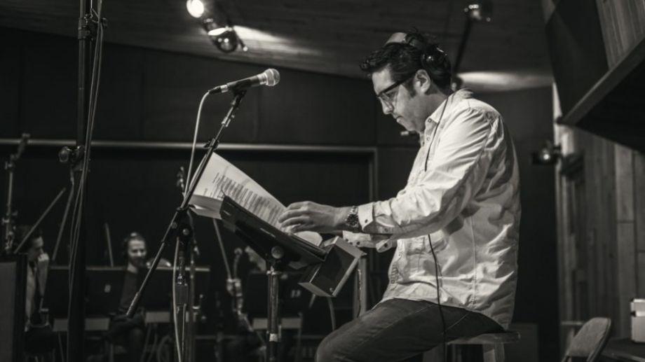 Ezequiel  Alara  elige la música que incluye en los eventos que musicaliza desde lo personal y lo profesional.