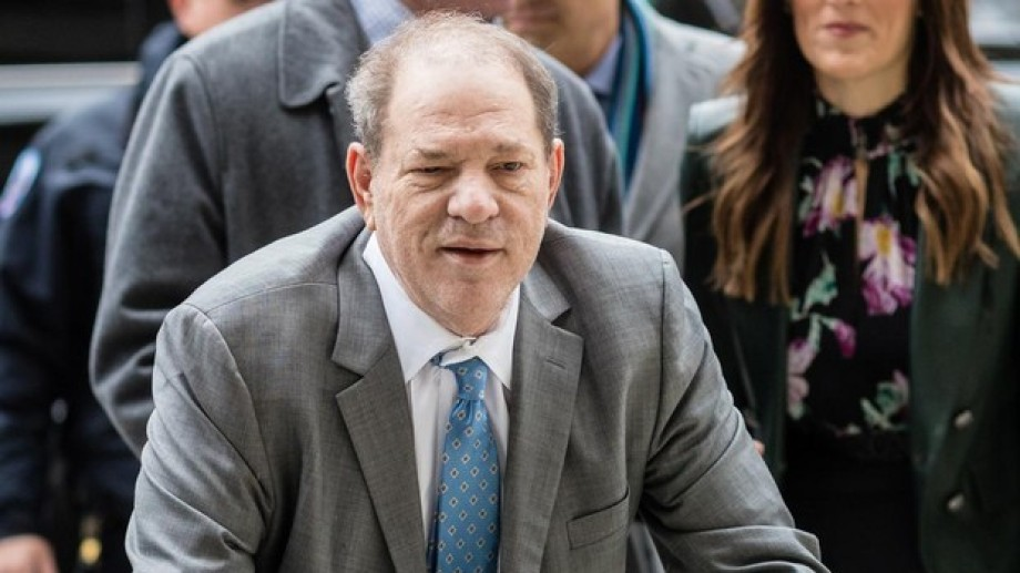 Harvey Weinstein fue declarado culpable en un juicio por dos casos de abuso sexual.