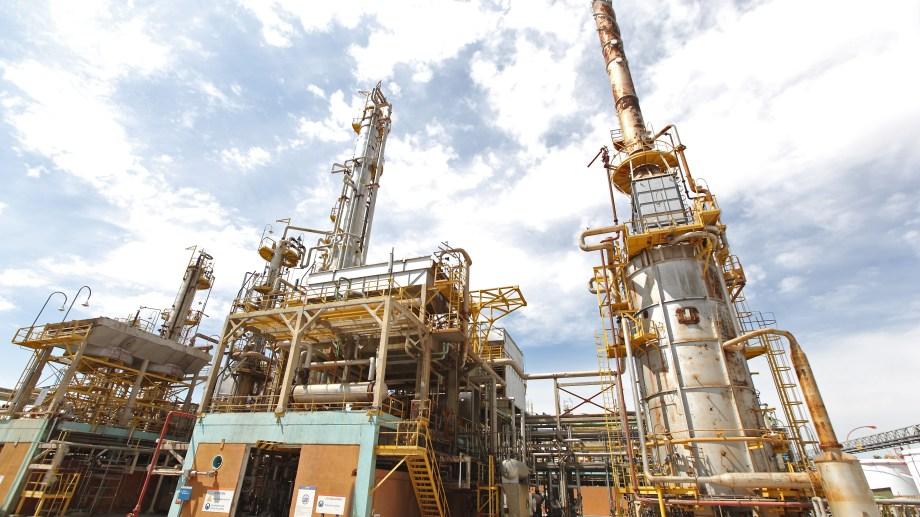 La refinación de petróleo cerró el año con un 78,6% de la capacidad instalada.