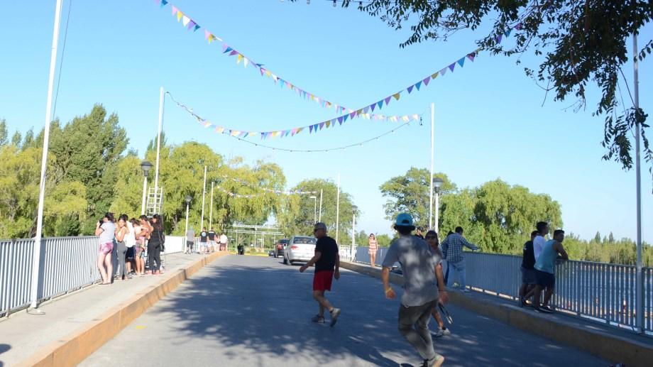 El ingreso al público en general será por el puente de calle Río Negro. Foto: Archivo Juan Thomes
