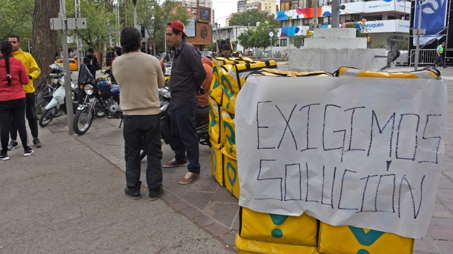 Días atrás, trabajadores de Glovo protestaron en el centro. Archivo Foto: Juan Thomes