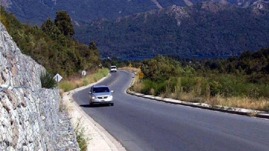 La ruta 40 en zonas altas, entre Bariloche y El Bolsón, presenta baja adherencia. Archivo