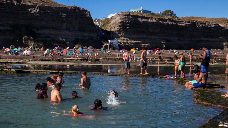 La Lobería es una de las playas elegidas por los veraneantes. Foto: Marcelo Ochoa.