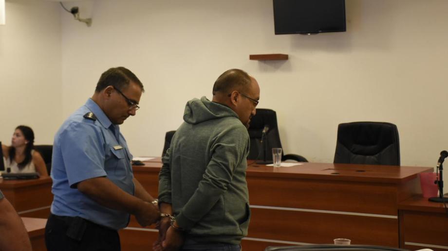 La fiscalía le formuló cargos por instigación a la toma y tráfico de influencia. Foto Florencia Salto