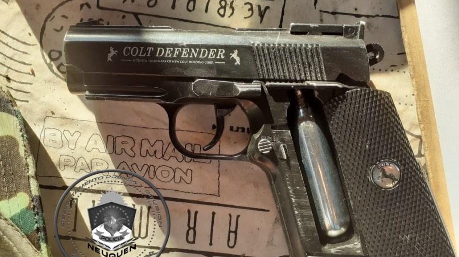 Violó una orden de restricción, amenazó a su pareja con un arma y quedó detenido (Foto: Gentileza)