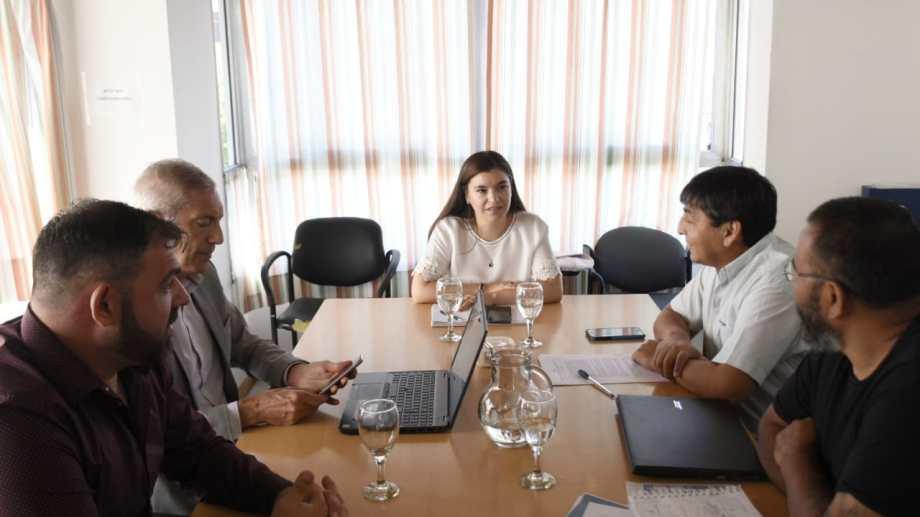 La paritaria arrancó con la reunión del Gobierno con los representantes de ATE. (Florencia Salto).-