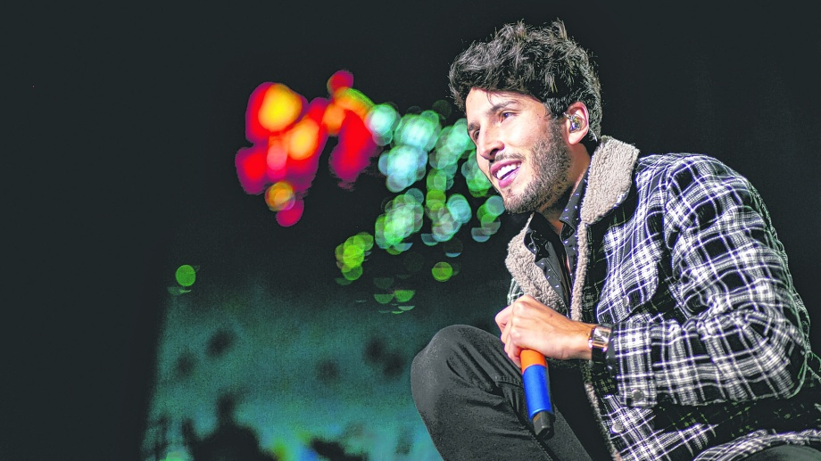 El cantante colombiano cerrará la Fiesta de la Confluencia.