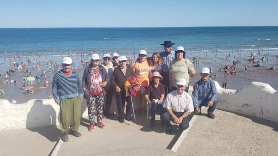 El contingente vivió un fin de semana único en la playas de Las Grutas. (foto: gentileza)