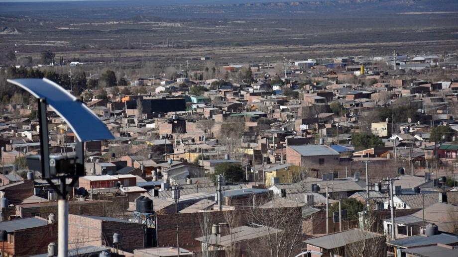 El incendio ocurrió anoche, en la zona de chacras de Rincón de los Sauces. (Archivo Florencia Salto).-