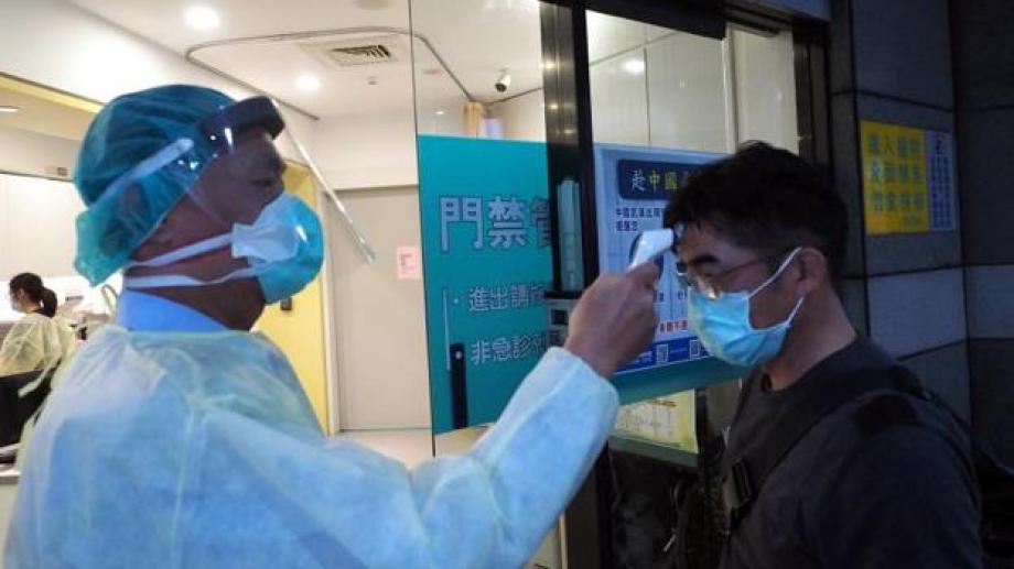 En China, las medidas son cada vez más extremas. Los argentinos piden acelerar los trámites para regresar al país.