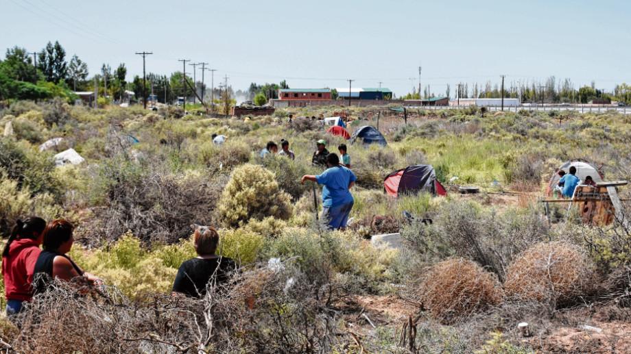 Son 27 las familias que ocupan el sector en Valentina Norte Rural. Foto: Florencia Salto