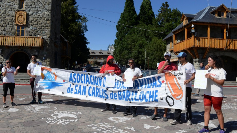 Los guardavidas de Bariloche están en estado de alerta. (Foto: archivo)
