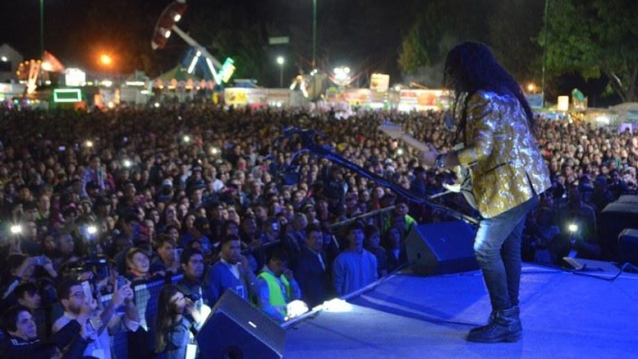 Ráfaga hizo bailar a todos en la última noche de la Fiesta Nacional del Lúpulo. Foto Gentileza