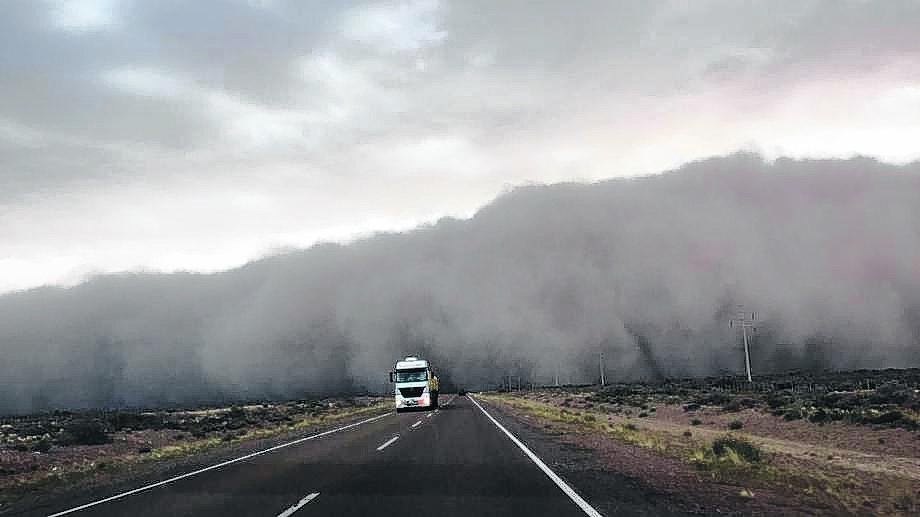 El temporal fue fuerte en el norte cordillerano de Chubut y se extendió hacia la provincia de Río Negro.