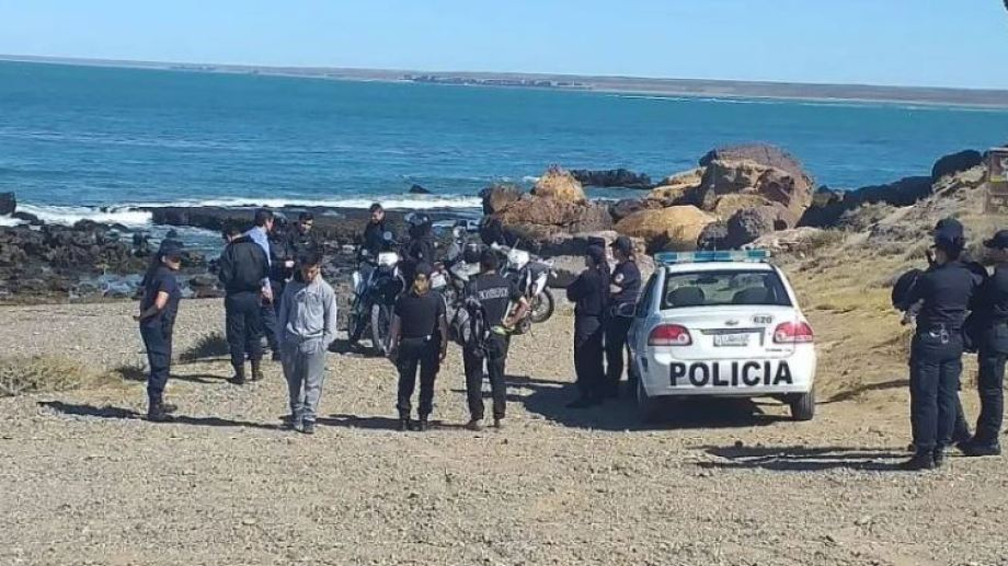 El teléfono fue hallado en la playa de Cavendish, en Puerto Deseado.