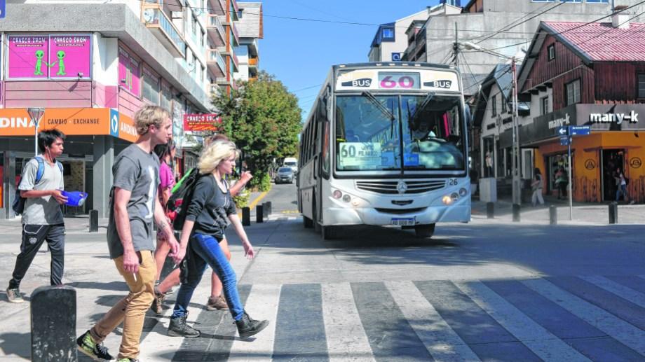 En la ciudad hay una sola empresa, MiBus, que presta el servicio de transporte urbano de pasajeros. Foto: Alfredo Leiva