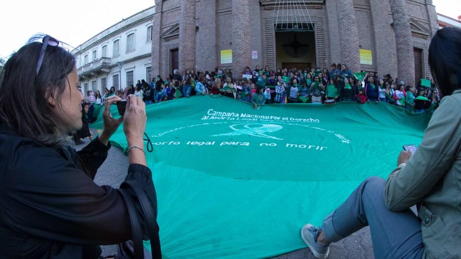 Pañuelazo federal por el aborto legal seguro y gratuito. Fotografía:  Pablo Leguizamón.