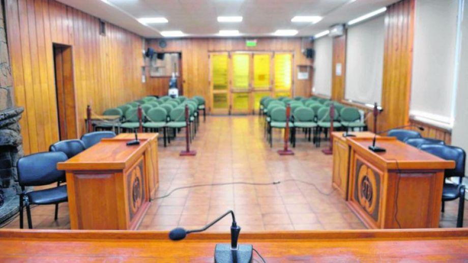 Las audiencias en el edificio Pilmayquén están suspendidas, solo hay guardias. Foto: Alfredo Leiva