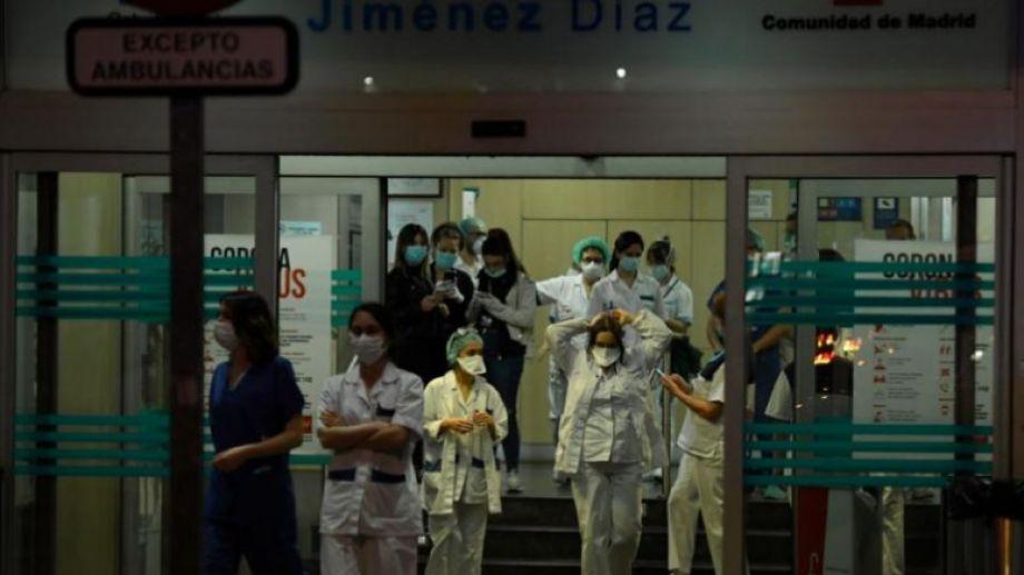 Los trabajadores en los hospitales españoles se encuentran ante un frente desafío diario. Foto: gentileza.-