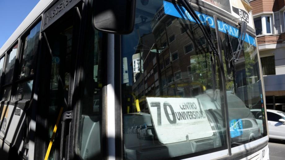 La crisis del transporte y el deficiente servicio son parte del reclamo de los dirigentes vecinales. Archivo