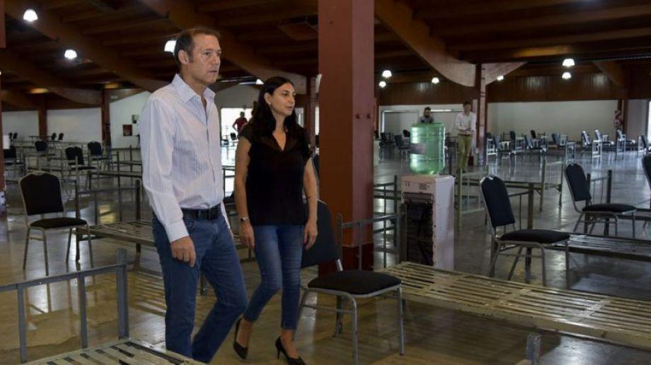 El gobernador junto a la ministra de Salud, Andrea Peve. Foto Neuquén Informa