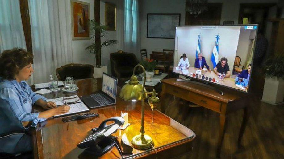 Arabela Carreras mostró en sus redes sociales parte del encuentro con el gabinete nacional. Foto: gentileza.-