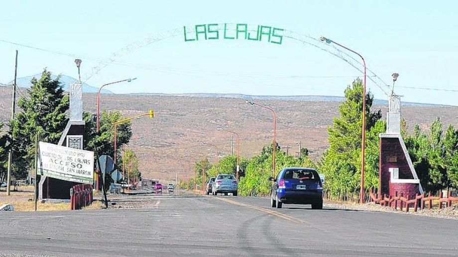 El primer caso positivo del interior de la provincia fue en Las Lajas. Foto: Archivo
