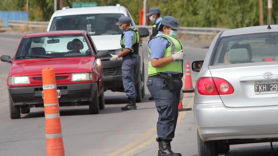 Los controles vehiculares son constantes en todas las rutas y calles del país. (Archivo)