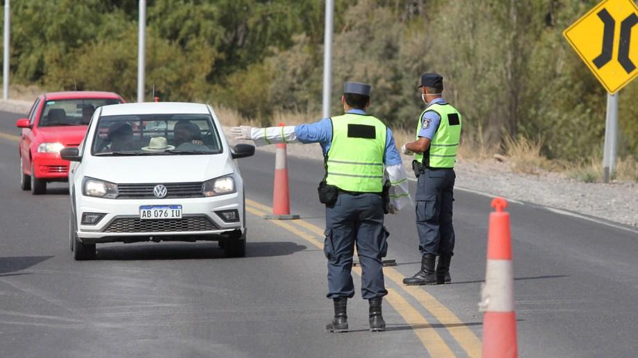 Habrá restricciones también para los camiones de carga que llegan de Chile. Foto: archivo.