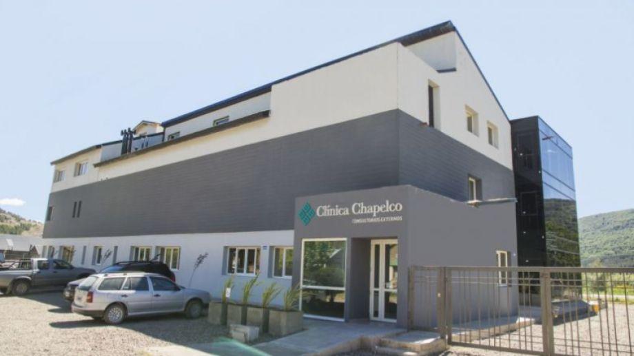 La clínica Chapelco ya atendió a pacientes con coronavirus de otras localidades (Gentileza).-