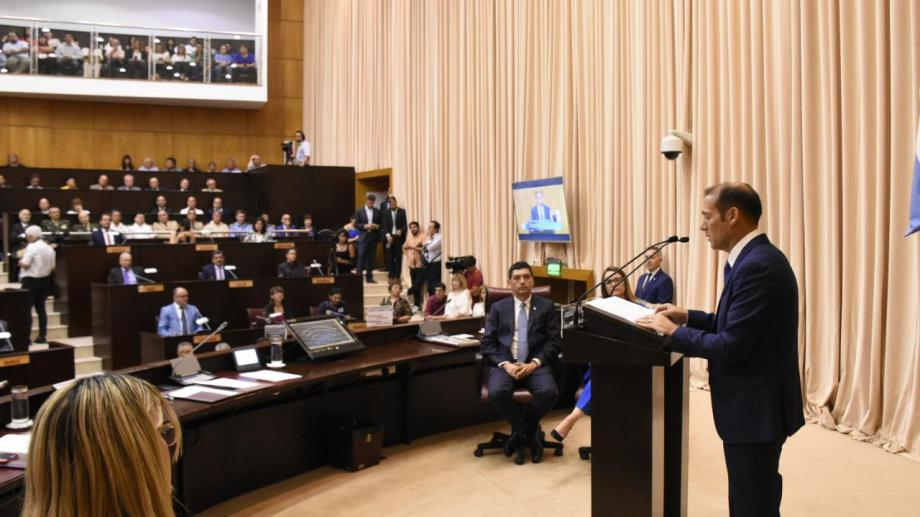 El gobernador Omar Gutiérrez cerró su discurso de inauguración de sesiones hablando del conflicto docente. (Florencia Salto).-