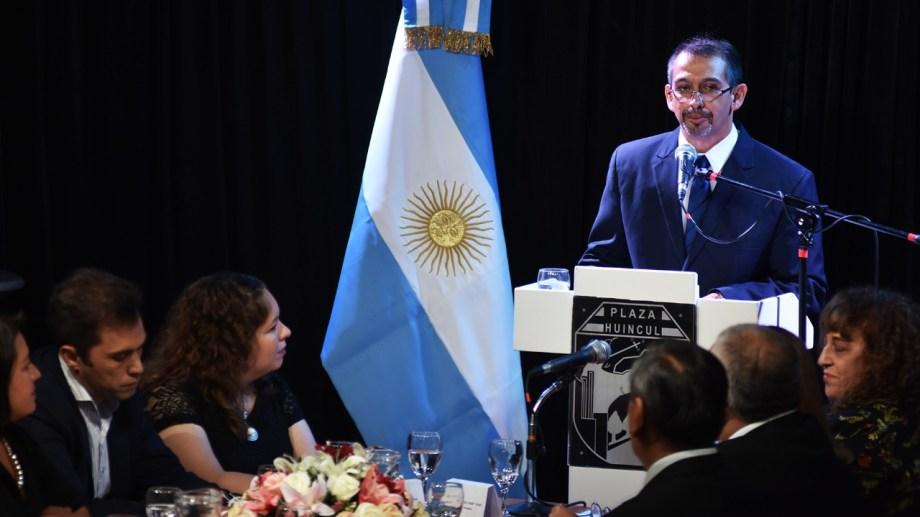 El intendente de Plaza Huincul, Gustavo Suárez abrió las sesiones ordinarias.Foto: Gentileza
