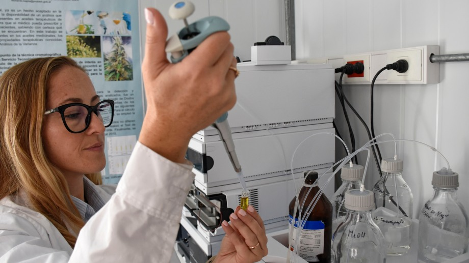 El Laboratorio de Cromatografía de Probien está ubicado en la sede central de la UNC. Foto: Florencia Salto