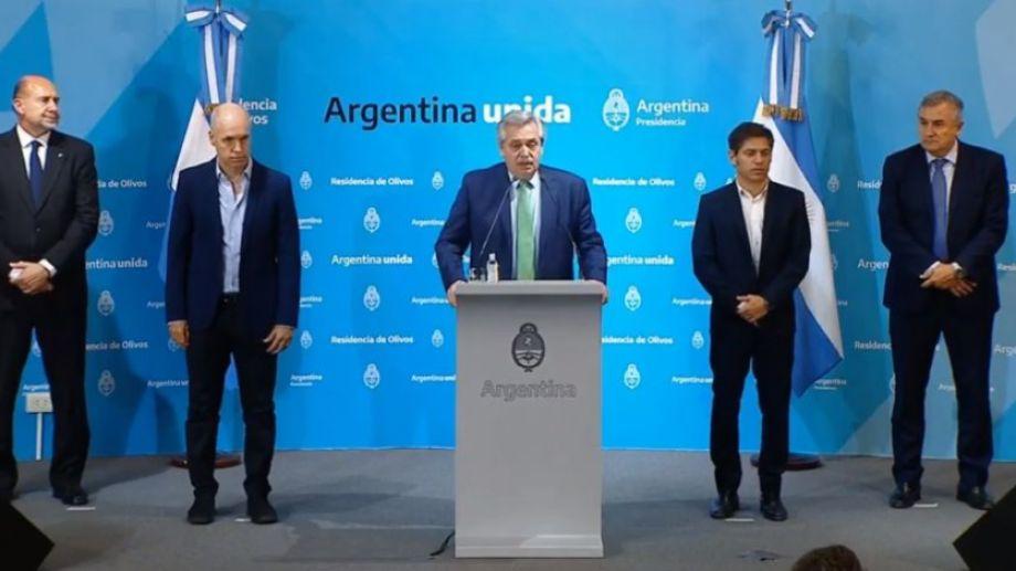 Alberto Fernández habló rodeado por Horacio Rodríguez Larreta, Axel Kicillof y Gerardo Morales, entre otros. Foto: captura de pantalla.-