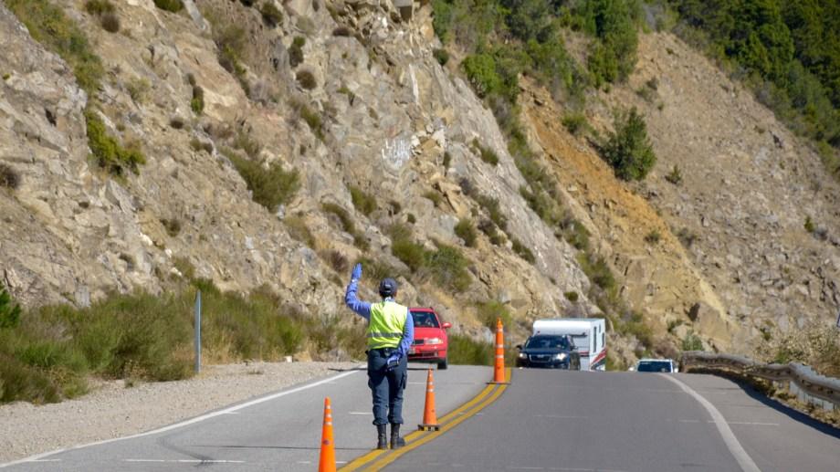 Los controles se dispusieron en toda la provincia para evitar la circulación (Foto: Patricio Rodríguez).-