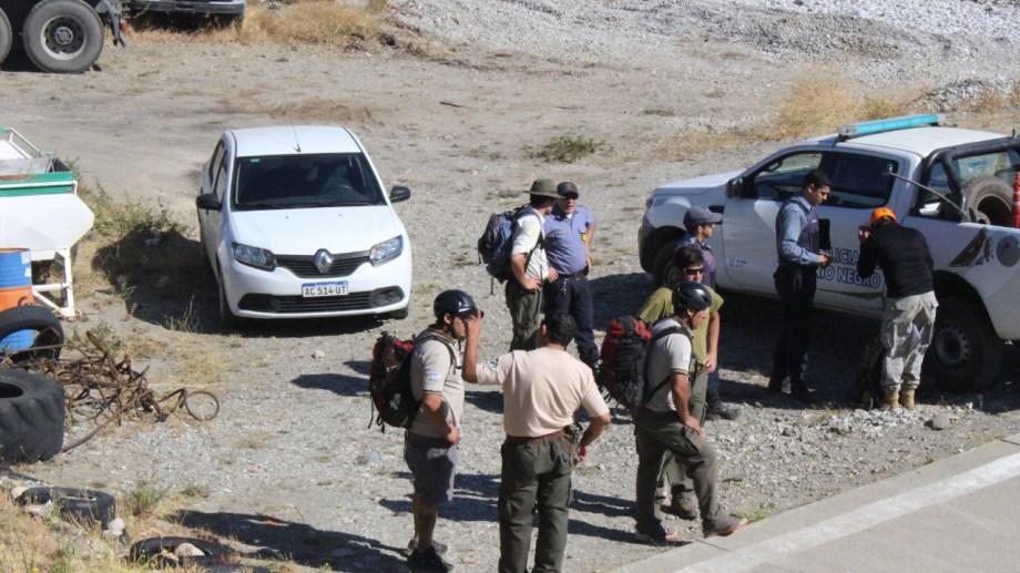 El cuerpo sin vida del escalador fue trasladado este domingo por la mañana, en un helicóptero desde el cerro hasta Bariloche. (Foto Gentileza)