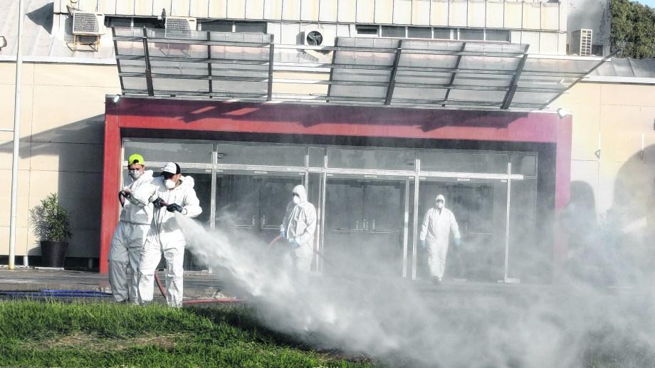 Días atrás, el municipio de capitalino ordenó desinfectar el Espacio Duam para transformarlo en un posible hospital de emergencia.