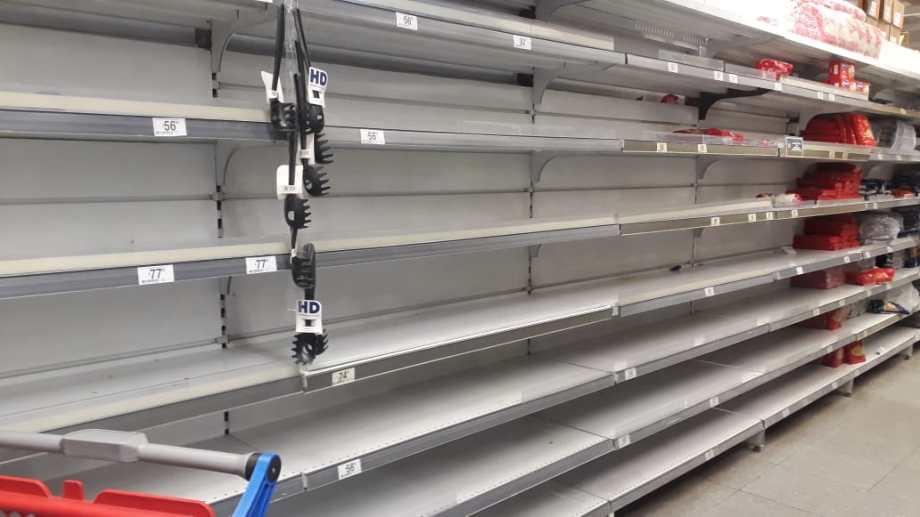 El municipio controla supermercados, almacenes y despensas.