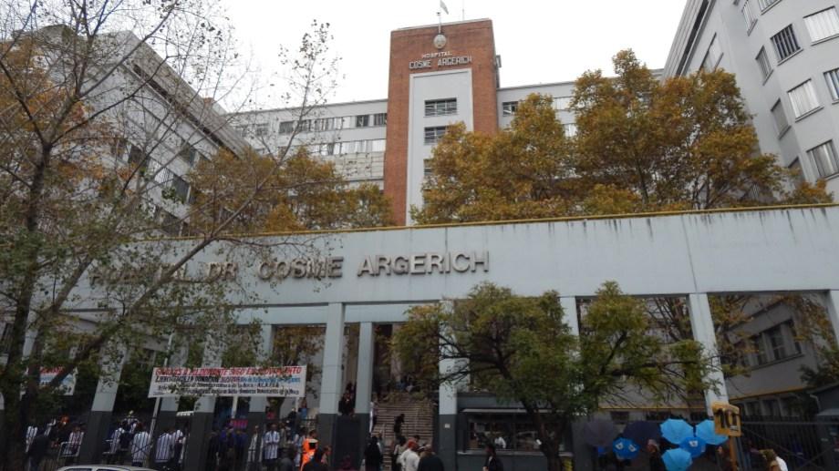 Desde el Ministerio de Salud de la Nación confirmaron la primera muerte por coronavirus en Argentina: era un hombre que había viajado a Francia y estaba internado en el Argerich.