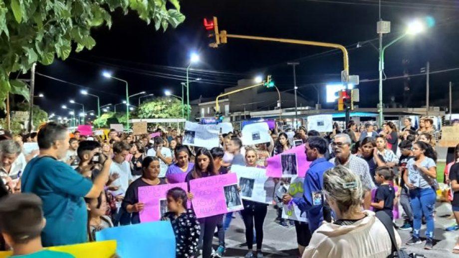 Conmoción en las calles por el asesinato de la adolescente. Foto: Catriel 25 Noticias.