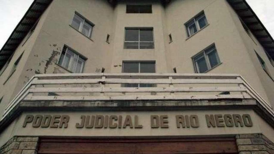 La formulación de cargos se realizó por videollamada. Solo el acusado estuvo en tribunales junto al defensor.